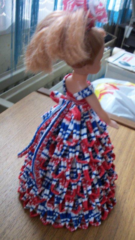 une jolie petite poupée