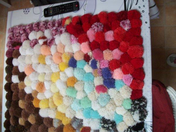 tapis pompons
