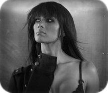 Nicole - Classement des 25 femmes les plus chaudes en 2010 + Le Top 45 Des Singles de 2010.