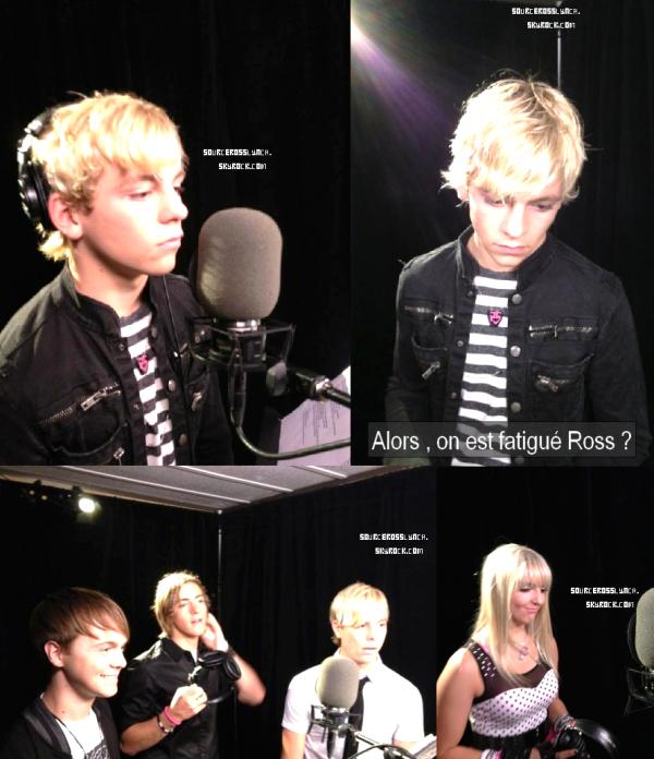 ++   26 Août .   Ross et les R5 sont actuellement à Toronto ou ils ont été vus dans les studios d'enregistrements et ensuite entrain de s'amusés  + Ross a été aperçu au centre commercial Westfield South Shore à New York . +