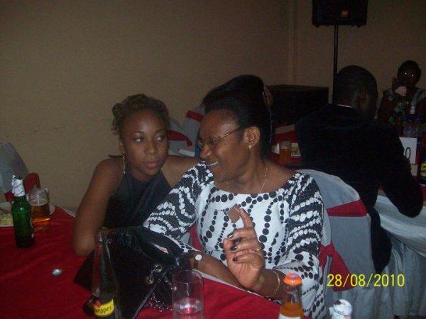 Alice et Maman Tshasha