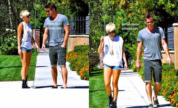 ♥ 2 septembre : Dans l'après-midi ,  Miley et Liam se rendait chez un ami a Pasadena