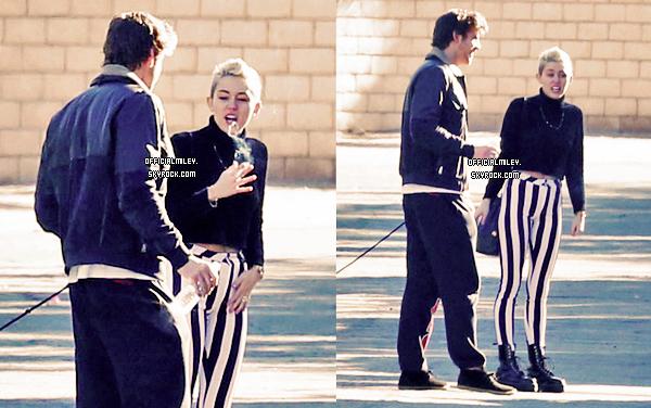 26 décembre 2012 - Miley était de sortie à Palm Springs avec Liam et Cheyne Thomas . TOP ou FLOP ?
