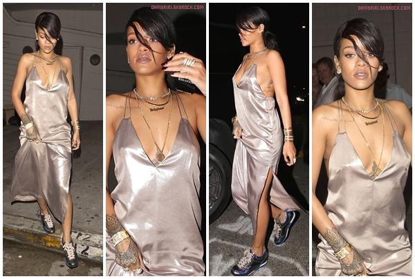 • 10 août | SORTIE |  - // Rihanna dîne dans son restaurant préféré