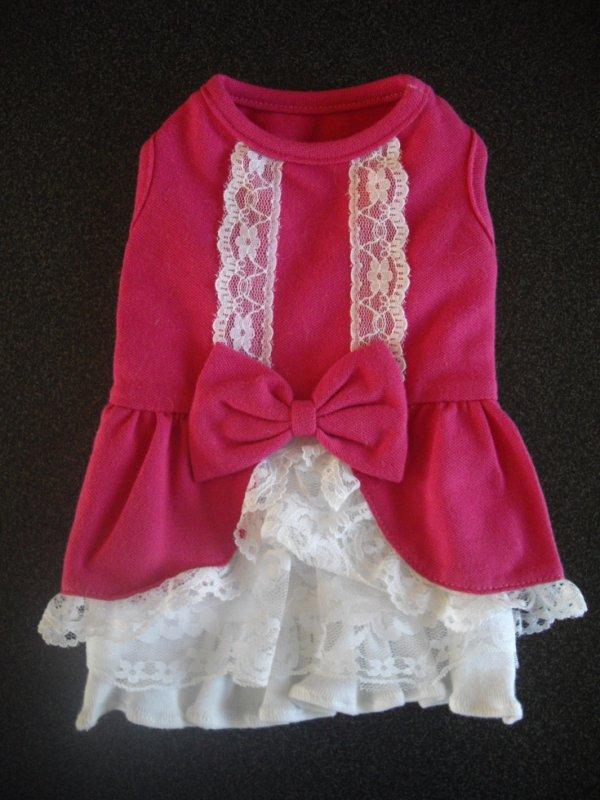 A vendre olie robe avec dentelle sans marque neuve taille S.