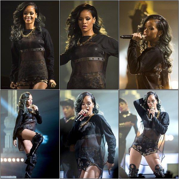 25.07.2013 : Rihanna a performé hier au Telenor à Oslo dans le cadre de sa tournée, le DWT.