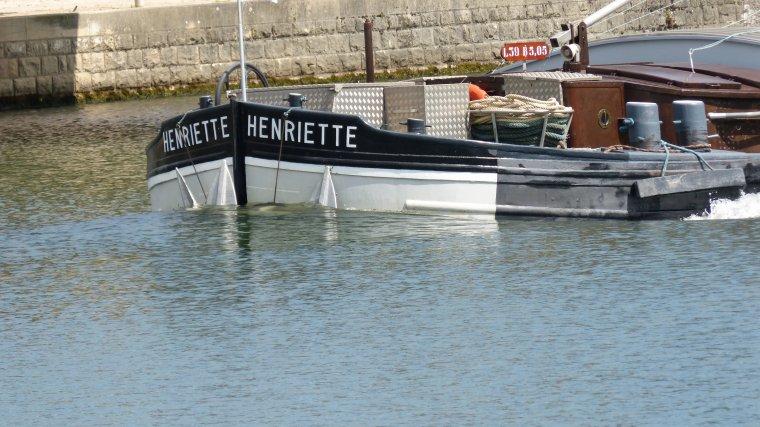 HENRIETTE....................MONTEREAU................AOUT 2017
