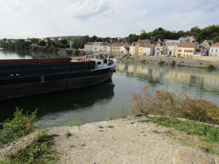 KEVALIA...........de l'Yonne à la Petite Seine...........MONTEREAU.........SEPTEMBRE 2017