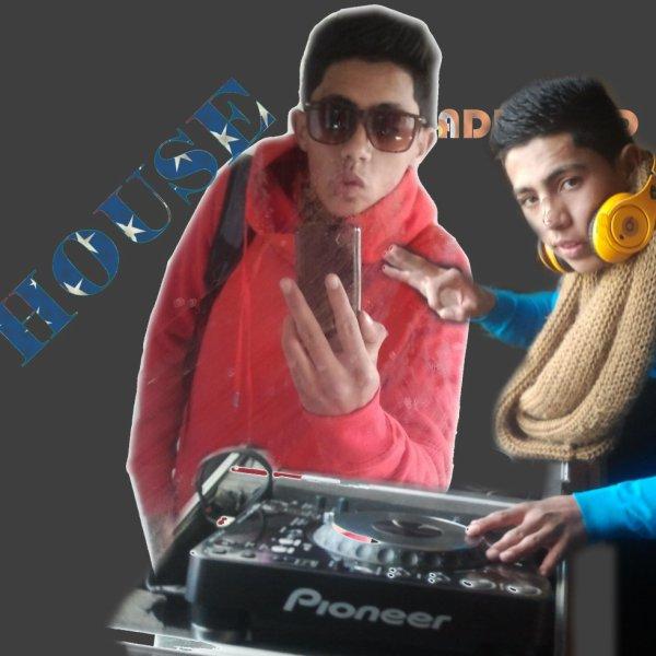 DJ ESSAMO