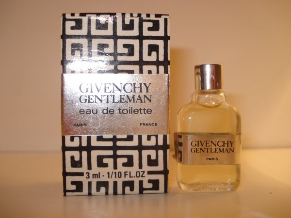 Miniatures de parfums avec boites en doubles à échanger