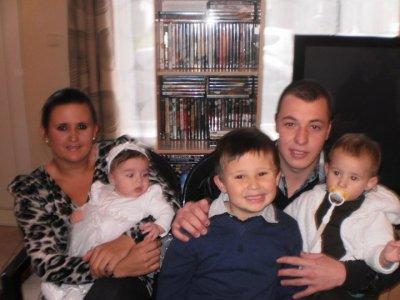 mon frere,sandra et leurs enfants et eleana