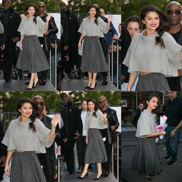 Selena lors de son séjour à Paris