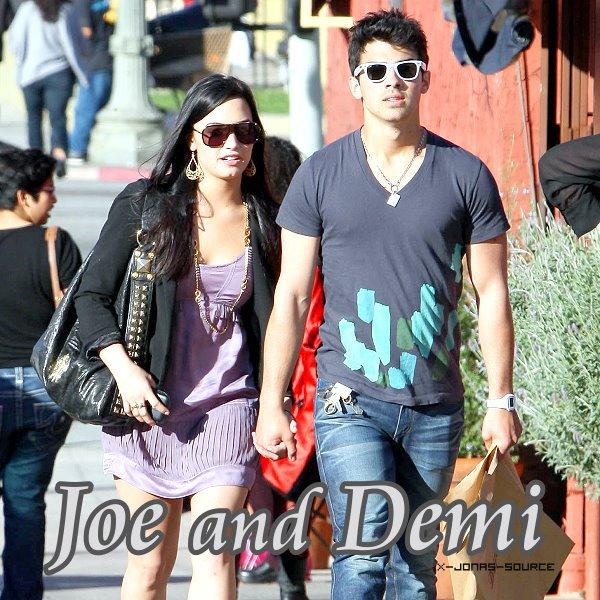 Le 14 mars 2010 Demi a révèlé la vérité : Joe et Demi forment bel et bien un couple