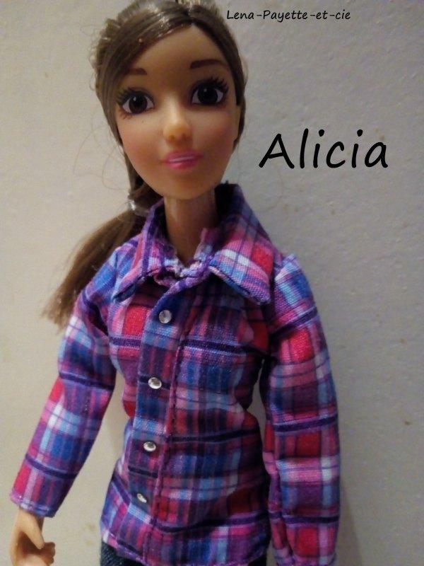 Présentation des personnages: Alicia