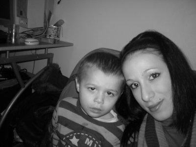 mon petit mec a moi !!! <3