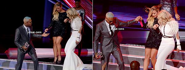 - 6 SEPT. : Chris était présent à la cérémonie des MTV Video Music Awards. Il a remporté 2 awards : celui de la Meilleure Chorégraphie avec le clip de Turn Up The Music et celui de la Meilleure Vidéo Masculine toujours avec TUTM. (Los Angeles) -