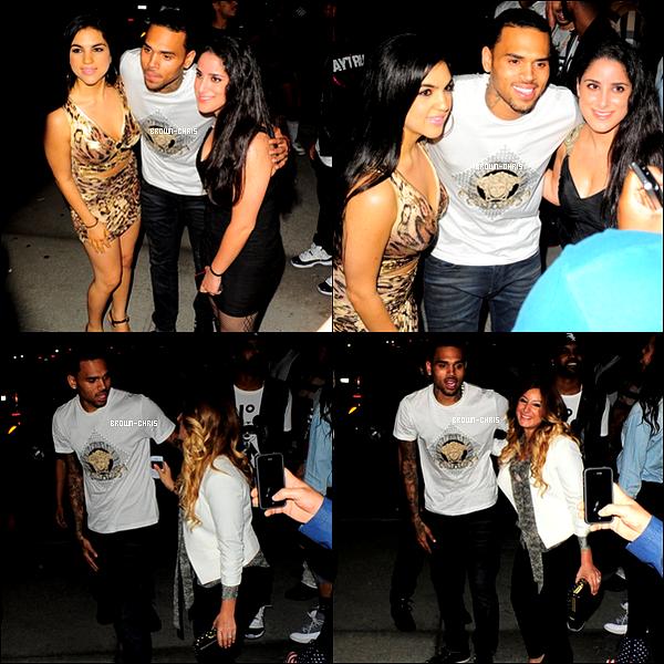 - 22 SEPT. : Chris et sa petite amie Karrueche Tran ont été aperçus quittant le Bootsy Bellows  . (Los Angeles)TOP/FLOP?  -