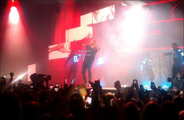 - 17 NOV. : Chris était au Oslo Spektrum à Oslo pour l'un des concerts de sa tournée. (Norvège)  -