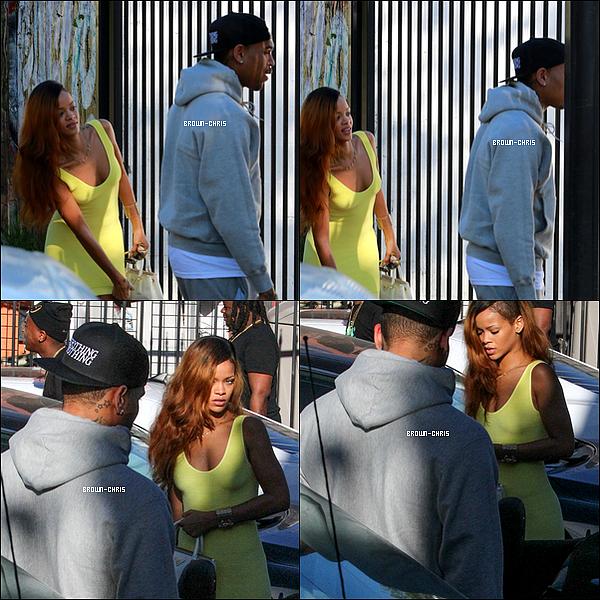. 10 AVR. : Chris a été aperçu dans les rues de Los Angeles en compagnie de Rihanna !TOP/FLOP ? -