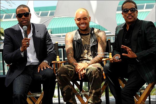 """. 14 MAI. : Chris était à la conférence de presse des BET Awards 2013. Il est nominé dans la catégorie """"Meilleur Artiste R&B"""", la cérémonie des BET Awards aura lieu le 30 juin prochain, Chris sera présent et fera une performance. (Los Angeles)TOP/FLOP ? -"""