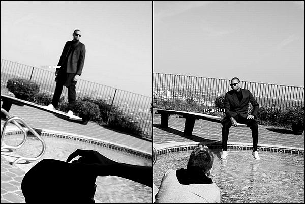 . NEWS. : Chris fait la couverture du Blank Magazine, découvrez sans plus tarder les photos du photoshoot !QU'EN PENSEZ-VOUS ? -
