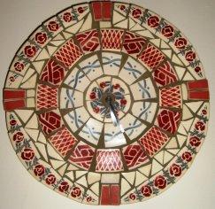 Mosaique - HORLOGE ROUGE PICASSIETTE- Digoin
