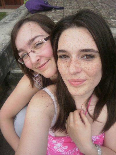 Moi et ma super amie que j'aime! ;)