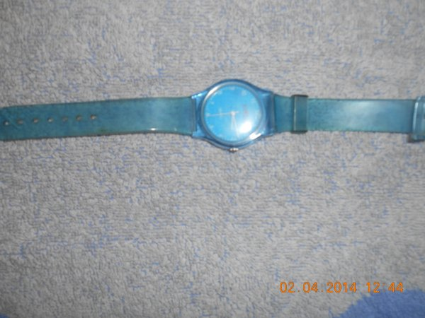 Montre Bleu Transparent 3,50 euro