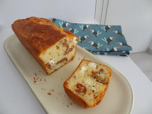 CAKE FETA TOMATES SÉCHÉES BASILIC