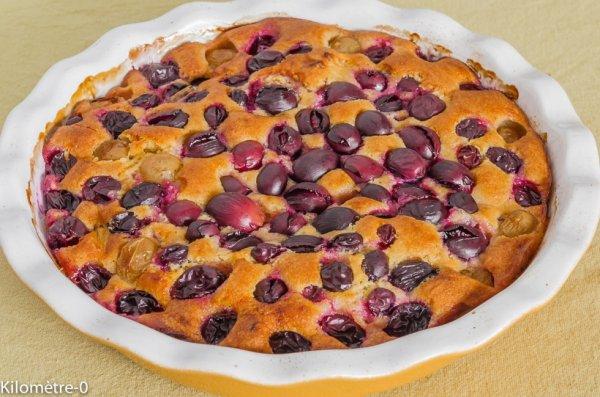 Gâteau aux raisins noirs et aux pommes