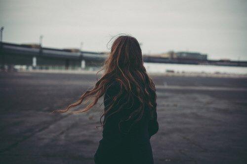 Il se trouve que je sais depuis un certain temps que le meilleur moyen de se faire aimer est de ne pas trop aimer.