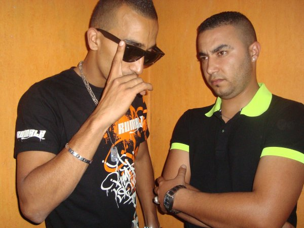 AL WihDa illi. / C Bon Tnaha AL CaGouLe. (2011)