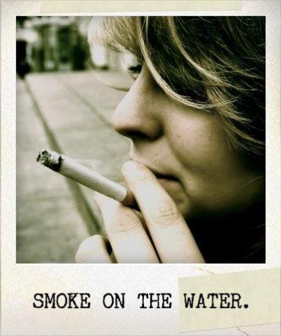 Vivre et mourrir a la fin... Alors fumer . Un peu .