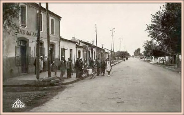 TASSIN : Carte postale ancienne
