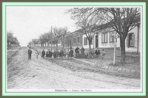 DESCARTES : Cartes Postales dénichées sur Delcampe