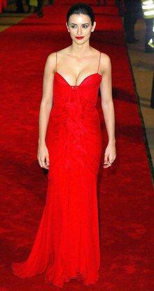 Penelope Cruz  son parcours mode  la  Piquante