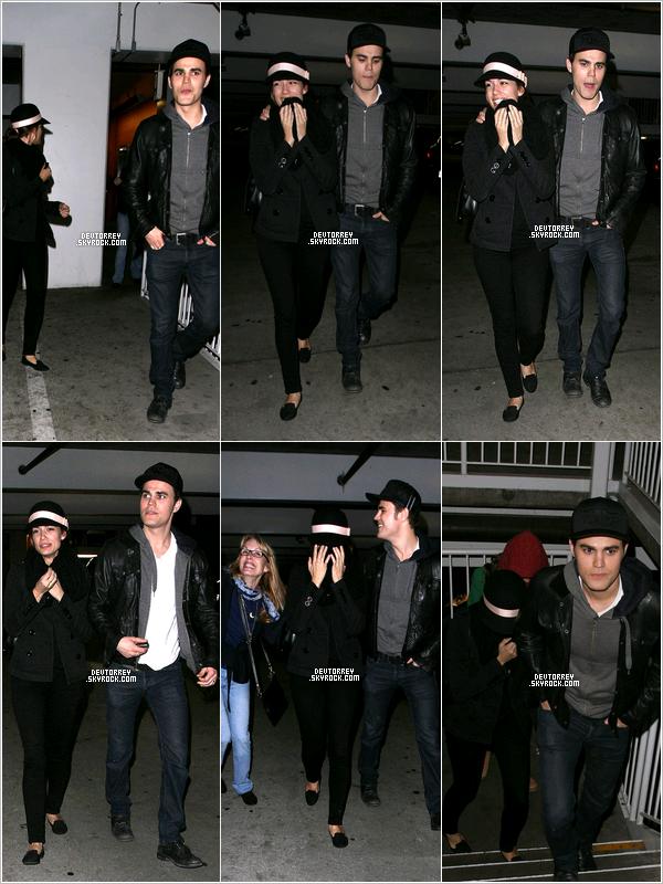 . 27.12.12 Torrey et Paul ont été vus quittant le Arclight Hollywood Cinemas, a Los Angeles. Je la trouve magnifique, elle a l'air de bien s'amuser et sa tenue est très belle un TOP pour moi ! .
