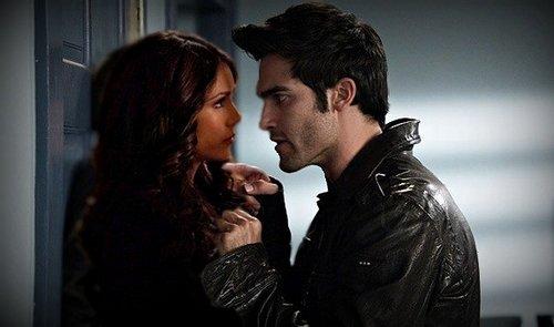 Un amour difficile mais pas impossible // Fiction basée sur la série et Teen Wolf