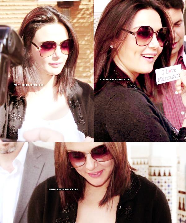 ATTENTION ! ANCIEN ARTICLE     PHOTOS : •  Lors de son séjour à Marrakech.    Lorsque l'actrice s'était rendue à Marrakech pour le festival,     elle a pu rencontrer l'un de ses fans. Voici de nouvelles photos    Aqui sont apparus récemment sur le fan site anglais.