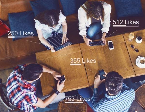 Une personne sur quatre espionne secrètement ses amis Facebook