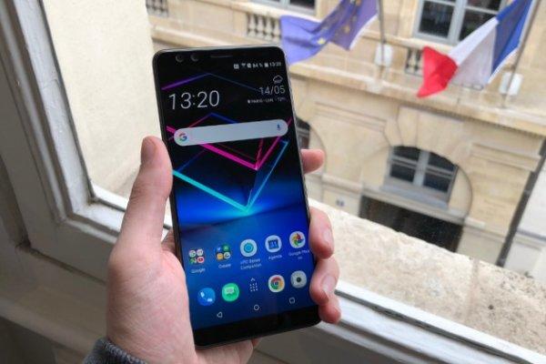 HTC annonce le U12+, un nouveau smartphone haut de gamme... transparent !