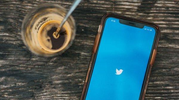 Bientôt des boutons de réaction sur Twitter comme sur Facebook ?
