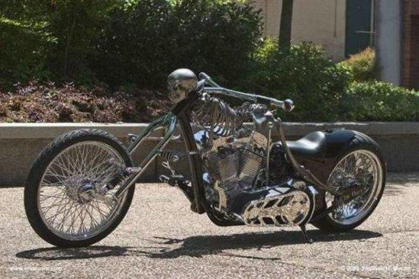 la moto d'acier!!!