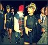 Rihanna  à la sortit d'un club