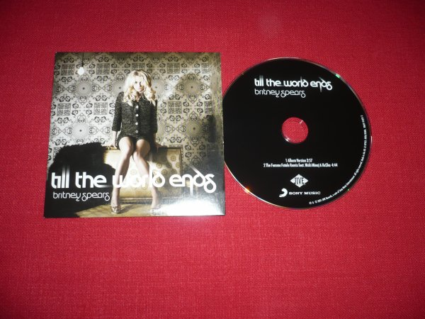 "Single ""Till The World Ends"""