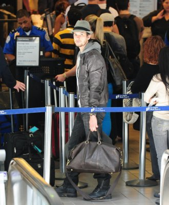 > Ben à l'aéroport de LA <