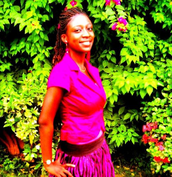 """A certains moment nous devons parvenir à réaliser que certaine personne peuvent rester éternellement dans notre coeur mais pas dans notre vie"""" - Twitter 23/05/2012"""