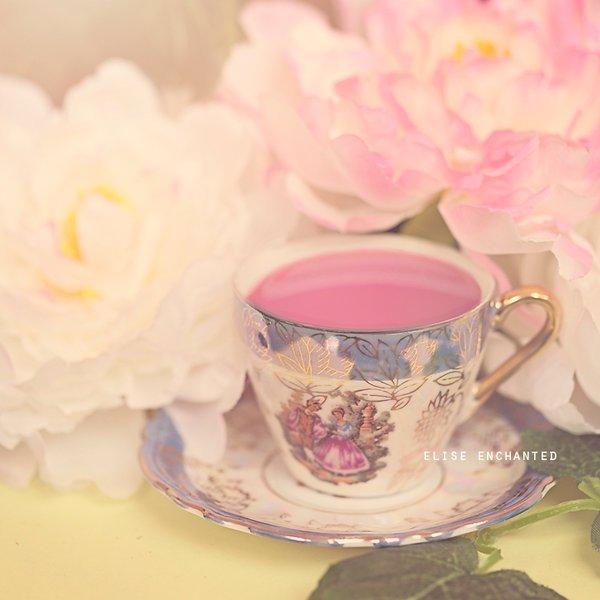 """""""Une fleur est un être entièrement poétique."""""""