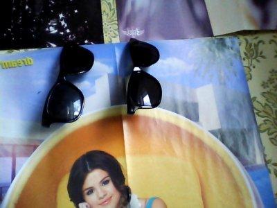 The Faabulous Glasses Que Ma Cousine & Mi Porteront lors de notre virée à Hollywooood ! ;)