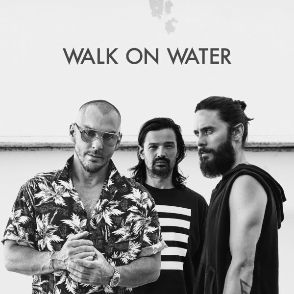 Nouveau single : WALK ON WATER le 22 Août